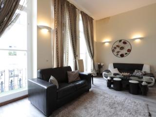 Two Bedroom Suites next to Notting Hill - London vacation rentals