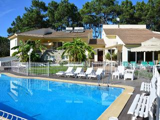 Villa Verdizela II - Charneca da Caparica vacation rentals