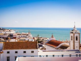 Bay View (Ground Floor 2 bedroom) - Albufeira vacation rentals
