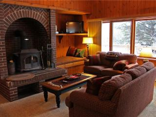 Located at Base of Powderhorn Mtn in the Western Upper Peninsula, An Inviting Trailside Duplex with Gorgeous Kitchen, Dining & Living Room - Bessemer vacation rentals