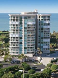 Building View - Bayshore Place in Park Shore - Naples - rentals