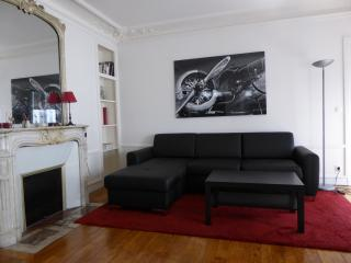 Two Bedroom Flat in The Center of Paris - Paris vacation rentals