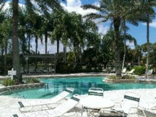 Club Pool - Bermuda Links - Bonita Springs - rentals