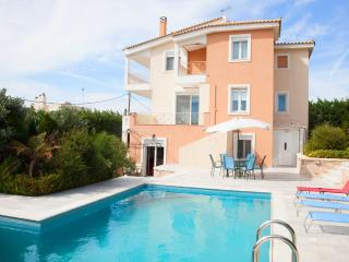 Comfortable 4 bedroom House in Lagonisi with A/C - Lagonisi vacation rentals