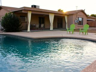 NEWLY FURINSHED 3 BR House in Scottsdale w/ Pool. - Scottsdale vacation rentals