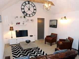 Luxury Cottage, Rural Views with Log Burner near Saundersfoot and Tenby - Ludchurch vacation rentals