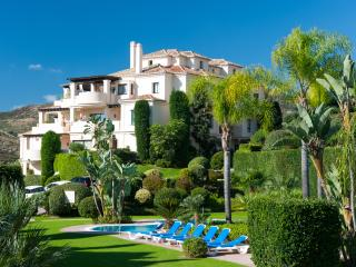 Luxury 3 bed Duplex Penthouse Capanes del Golf  Benahavis - Benahavis vacation rentals
