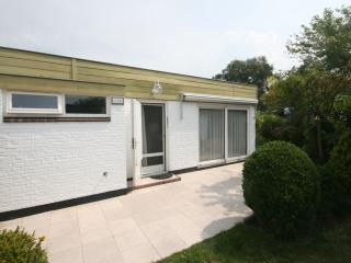 Bright 2 bedroom Bungalow in Noordwijk with Internet Access - Noordwijk vacation rentals