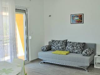 TH101629 Apartments Zora / One bedroom A2 - Rogoznica vacation rentals
