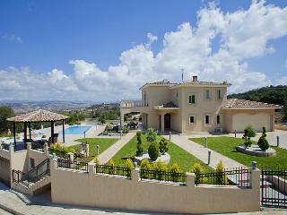 Modern luxury villa, sleeps 7, peaceful location - Stroumbi vacation rentals