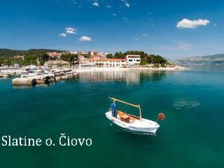 TH01869 Apartments Komarac / Sea view one bedroom A2 - Slatine vacation rentals