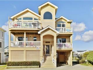 Bright 5 bedroom Nags Head House with Deck - Nags Head vacation rentals