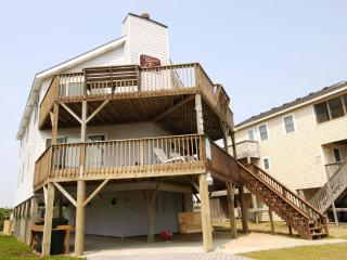 Beautiful House with Deck and Internet Access - Nags Head vacation rentals