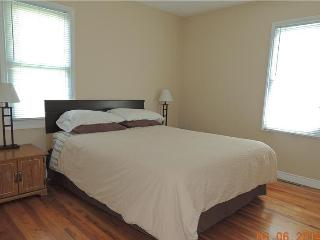 Perfect 3 bedroom Cottage in Leamington - Leamington vacation rentals
