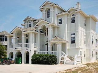Lovely 8 bedroom Corolla House with Deck - Corolla vacation rentals