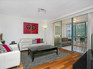 MIR03 -Close to Darling Harbour with Parking - Sydney vacation rentals
