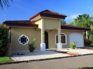 EcoVida Casa Romantica - Walk to the Beach! Huge Community Pools! - Playa Bejuco vacation rentals