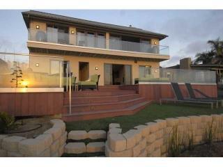 Bright 4 bedroom Villa in Encinitas with Television - Encinitas vacation rentals
