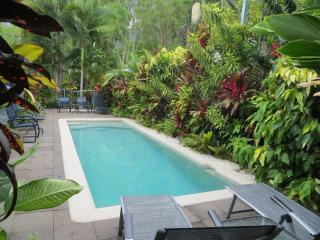 Mahaloa Beach House at Palm Cove/Clifton Beach - Clifton Beach vacation rentals