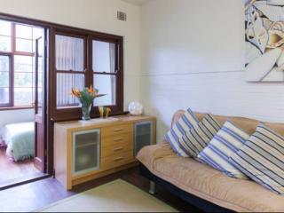 Sixty 6 Broadway - Close to UWA and Perth CBD - Nedlands vacation rentals