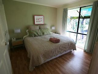 Lovely 4 bedroom Farmhouse Barn in Healesville - Healesville vacation rentals