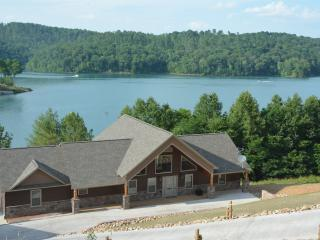 Norris Lake, 6 BR, 5 1/2 Bath, Sleep 24, Dock, - La Follette vacation rentals