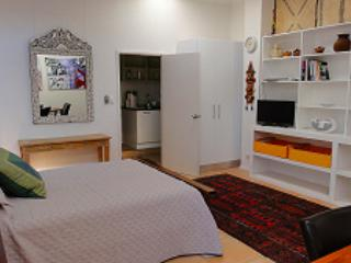 Vatu Sanctuary & Homestead - The Studio - Alice Springs vacation rentals