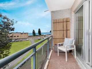 Dee why beach pad - Newly renovated - Dee Why vacation rentals