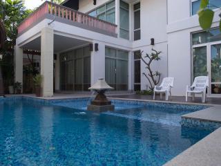3 Bedrooms Nagawari Private Pool Villa -2 - Jomtien Beach vacation rentals
