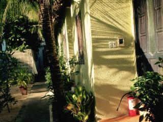 Bright 10 bedroom Ham Tien House with Internet Access - Ham Tien vacation rentals