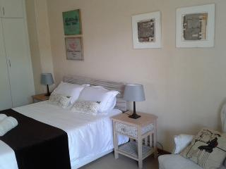 1 bedroom Apartment with Internet Access in East London - East London vacation rentals
