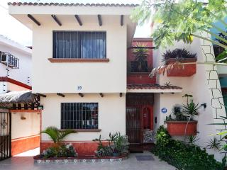 Villa Maya Cancun Groundfloor with Patio - Cancun vacation rentals
