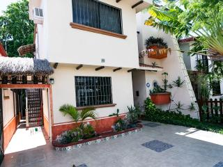 Villa Maya Cancun Groundfloor with Patio - Cancun vacation rentals