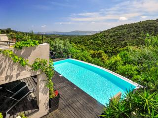 4 bedroom House with Private Outdoor Pool in Port Grimaud - Port Grimaud vacation rentals