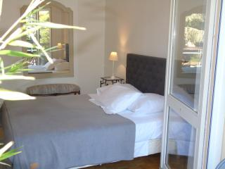 2 bedroom Guest house with Internet Access in Chalon-sur-Saone - Chalon-sur-Saone vacation rentals