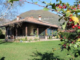 Trilocale in villa a Domaso per 6 persone ID 260 - Domaso vacation rentals