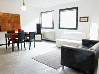 Residence Victoria - Imperial Suite - Como vacation rentals