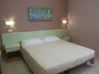 Romantic 1 bedroom Bed and Breakfast in Vieste - Vieste vacation rentals