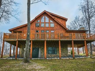 Exceptional 5 Bedroom Log Home with Luxury Accomodations! - McHenry vacation rentals