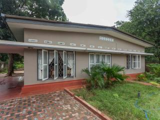 Nice 4 bedroom Jaffna House with Parking - Jaffna vacation rentals