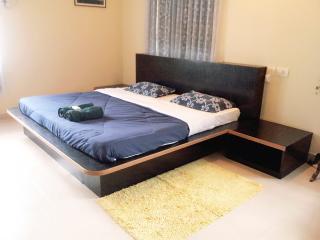 Zeus Homestays - Benaulim vacation rentals