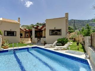 """""""Elea Villa"""" - Heraklion vacation rentals"""
