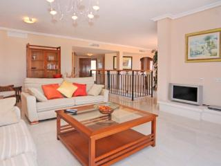 Comfortable House with Satellite Or Cable TV and Private Outdoor Pool - Portman vacation rentals