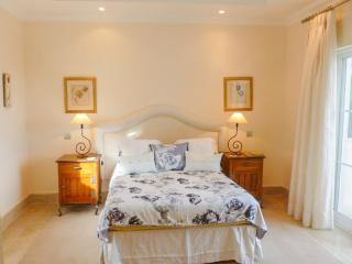 Comfortable 4 bedroom House in Quinta do Lago - Quinta do Lago vacation rentals