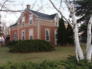 3 Sisters Bed & Breakfast - Thornbury Room - Clarksburg vacation rentals