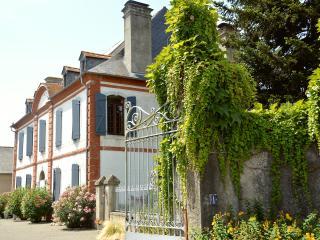 """Gite à la Campagne """" En passant par chez nous """", au coeur des Hautes Pyrénées - Chis vacation rentals"""