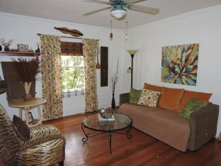 1 bedroom House with Housekeeping Included in Berea - Berea vacation rentals