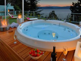 Private Jacuzzi with Huge Outdoor area and BBQ!!! - San Carlos de Bariloche vacation rentals