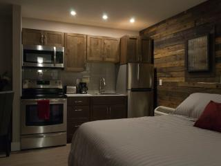 Romantic 1 bedroom Lake Placid Resort with Internet Access - Lake Placid vacation rentals
