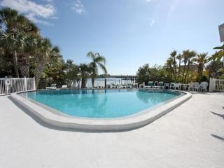 2 bedroom House with Internet Access in Indian Shores - Indian Shores vacation rentals